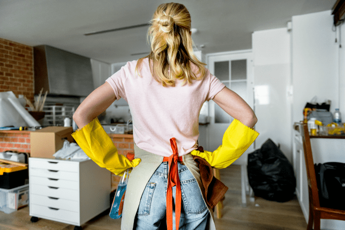 How to Charge for a Hoarding Job, Woman Looking at Room